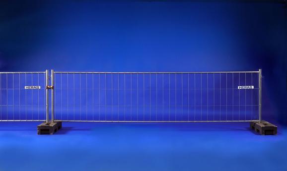 bauzaun 3 50 x 1 00 m typ m100 von heras objekt nr 109332 baumaschinen mieten und bauger te. Black Bedroom Furniture Sets. Home Design Ideas