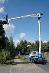 Obendreher-LKW-Arbeitsbühne 20 m mieten leihen