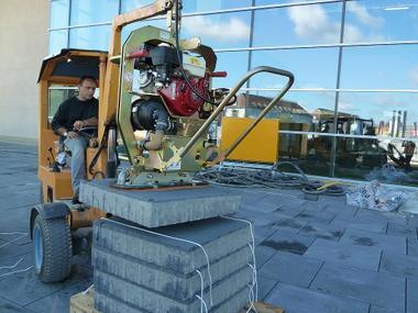 Vakuum-Hebegerät für stark poröses, schweres Greifgut mieten leihen