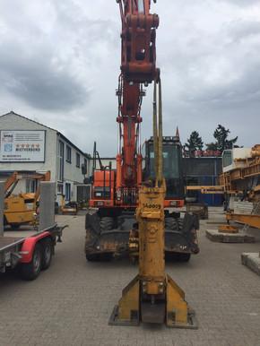 Verbau Ramme Spundwand Stahlträger Ramme Menck Schnellschlagbär  mieten leihen